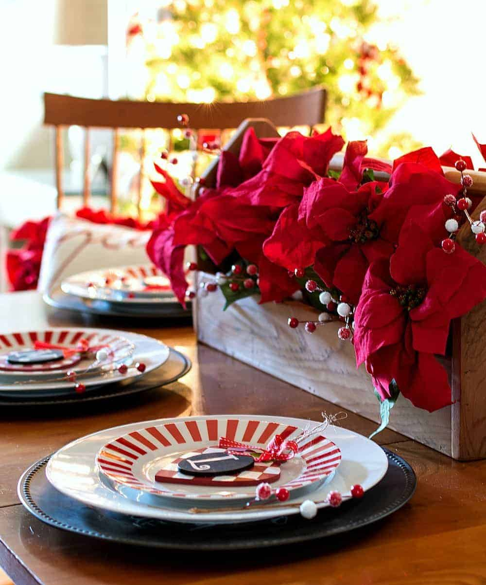 Fun Christmas Table Decorations: The BEST DIY Christmas Table Decorations